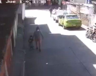 VIDEO: Cámara capta el momento del rapto de una niña de 4 años en San Marcos