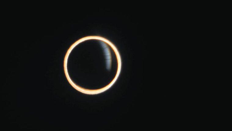 El eclipse anular de sol  también se conoce como anillo de fuego. (Foto Prensa Libre: Hemeroteca PL)