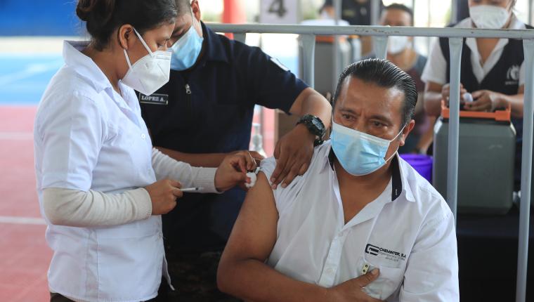 A partir de esta semana el INE medirá el mercado laboral y determinará las actividades en que se han empleado los guatemaltecos durante la pandemia. (Foto Prensa Libre: Hemeroteca)