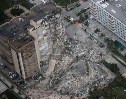 Escalofriante: video muestra el momento exacto en el que un edificio de Miami se derrumbó