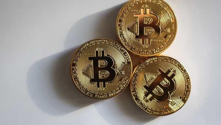 Existen miles de criptomonedas y por eso que es necesario conocer los tipos que existe, el precio que tienen y la manera adecuada de invertir en ellas. (Foto Prensa Libre: Pixabay)