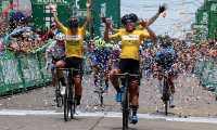 Las ciclistas Yeny Colmenares, Lina Hernández y Yeni Salcedo, del equipo Colombia Tierra de Atletas GW-Shimano, fueron la uno, dos y tres, de la primera etapa de la Vuelta Femenina a Guatemala. Foto Prensa Libre: Cortesía Fedeciclismo.