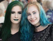 Sam Gould (izq) murió en septiembre de 2018 y su hermana gemela Chris falleció pocos meses después.