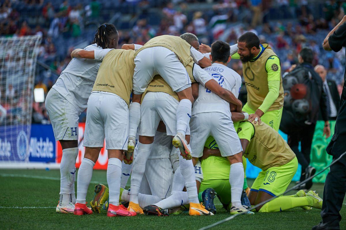 Honduras bate a Costa Rica en penales y es tercera de la Liga de Naciones