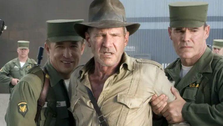 Harrison Ford vuelve a ser Indiana Jones. (Foto Prensa Libre: Twitter)