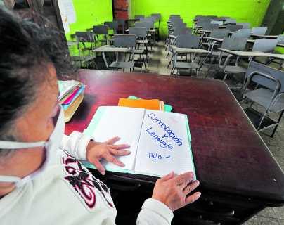 Contratación de 5 mil docentes está en proceso, mientras las escuelas permanecen cerradas