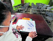 El Ministerio de Educación contratará 5 mil maestros en plazas 021, que se espera firmen contrato en julio. (Foto Prensa Libre: Hemeroteca PL)