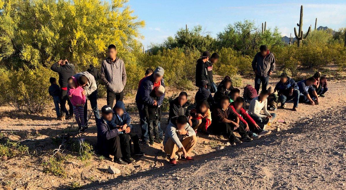 Advierten sobre nueva ola de calor extremo en el sur de EE. UU. que podría causar la muerte a migrantes en el desierto