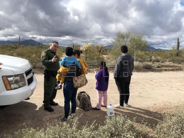 EE. UU. pone fin al programa que enviaba a solicitantes de asilo a México