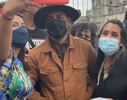 YouTuber se disfraza de Christian Nodal y engaña a varios admiradores del cantante mexicano