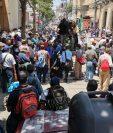 Bloqueo por parte de militares en situación de retiro este lunes 21 de junio frente al Congreso de la República. Fotografía: Prensa Libre (Carlos Hernández Ovalle).
