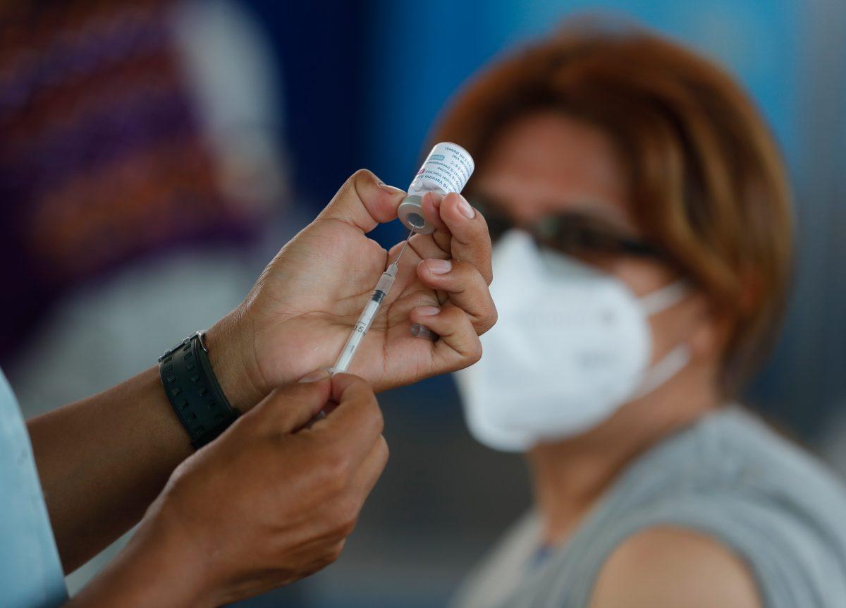 Las vacunas contra el covid-19 están por agotarse en el país, la mayoría son para segundas dosis