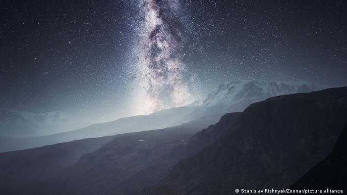 La materia oscura está ralentizando el giro de la Vía Láctea, según estudio