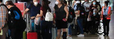 Guatemaltecos han decidido viajar a Estados Unidos en busca de ser vacunados contra el covid-19. (Foto, Prensa Libre: Hemeroteca PL).