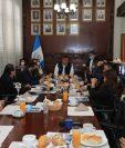 Vicepresidente de Guatemala, Guillermo Castillo, en reunión con periodistas. (Foto Prensa Libre: Byron García)