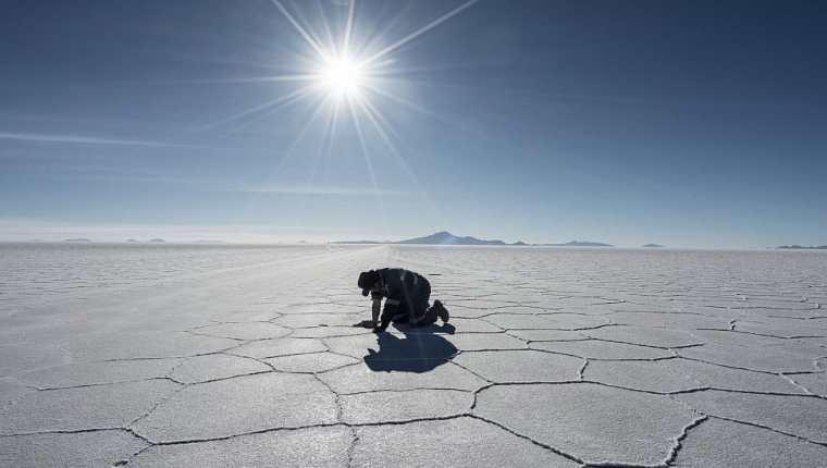 El Salar de Uyuni en Bolivia es un sitio peculiar para el turismo en la región. Getty Images