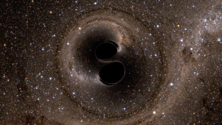 Simulación de colisión de dos agujeros negros en espiral.