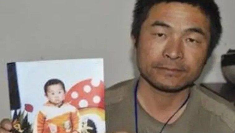 El hijo de Guo Gangtang fue secuestrado cuando tenía apenas dos años. WEIBO
