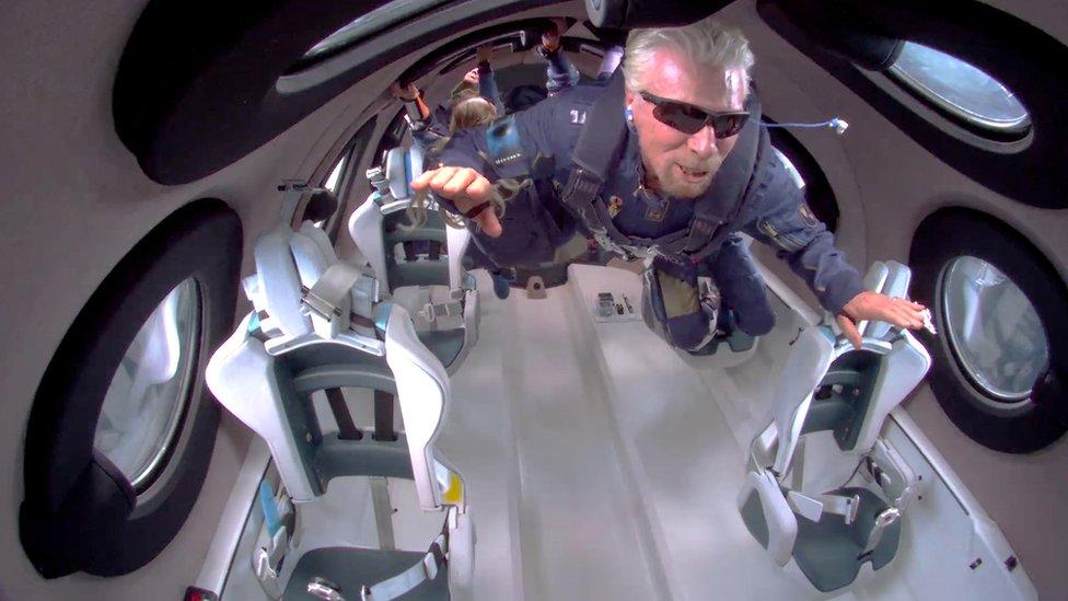 Virgin Galactic: cómo fue el viaje del multimillonario Richard Branson a las puertas del espacio a bordo de su propia nave