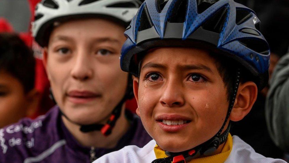 Julián Gómez: la trágica muerte el niño ciclista colombiano cuyo rostro lleno de emoción dio la vuelta al mundo