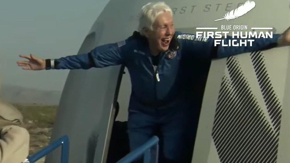 Jeff Bezos: Wally Funk, la aviadora de 82 años que cumplió su sueño al volar con Blue Origin al espacio