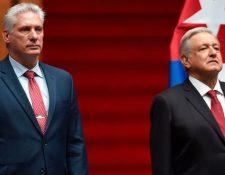 El presidente de México, Andrés Manuel López Obrador (derecha), junto a Miguel Díaz-Canel, su homólogo de Cuba (izquierda). (GETTY IMAGES)