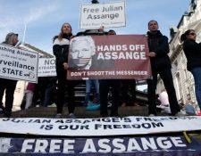 Assange continúa en el Reino Unido peleando para no ser extraditado a Estados Unidos. (GETTY IMAGES)