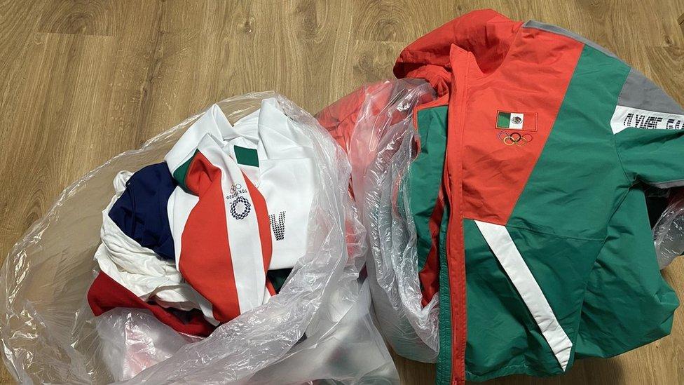 Sóftbol México: la polémica por las jugadoras que tiraron sus uniformes a la basura en Tokyo 2020