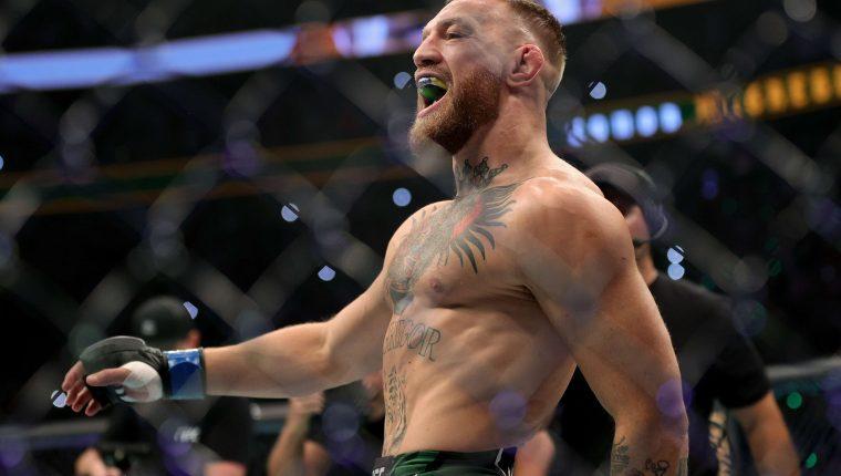 El irlandés Conor McGregor no está en sus mejores años dentro del campo de batalla, pero aprovecha su fortuna para comprarse un yate de lujo. Foto Prensa Libre: AFP.
