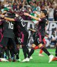Los jugadores de México celebran tras clasificar a la final de la Copa de Oro tras vencer a Canadá. (Foto Prensa Libre: EFE)