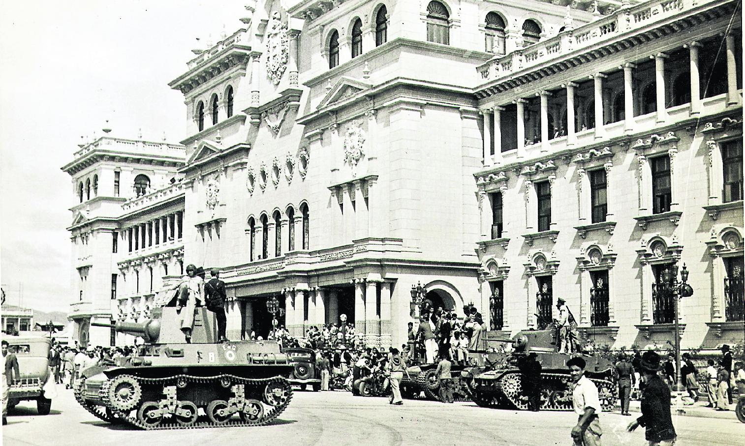 Triunfa la revolución en 1944
