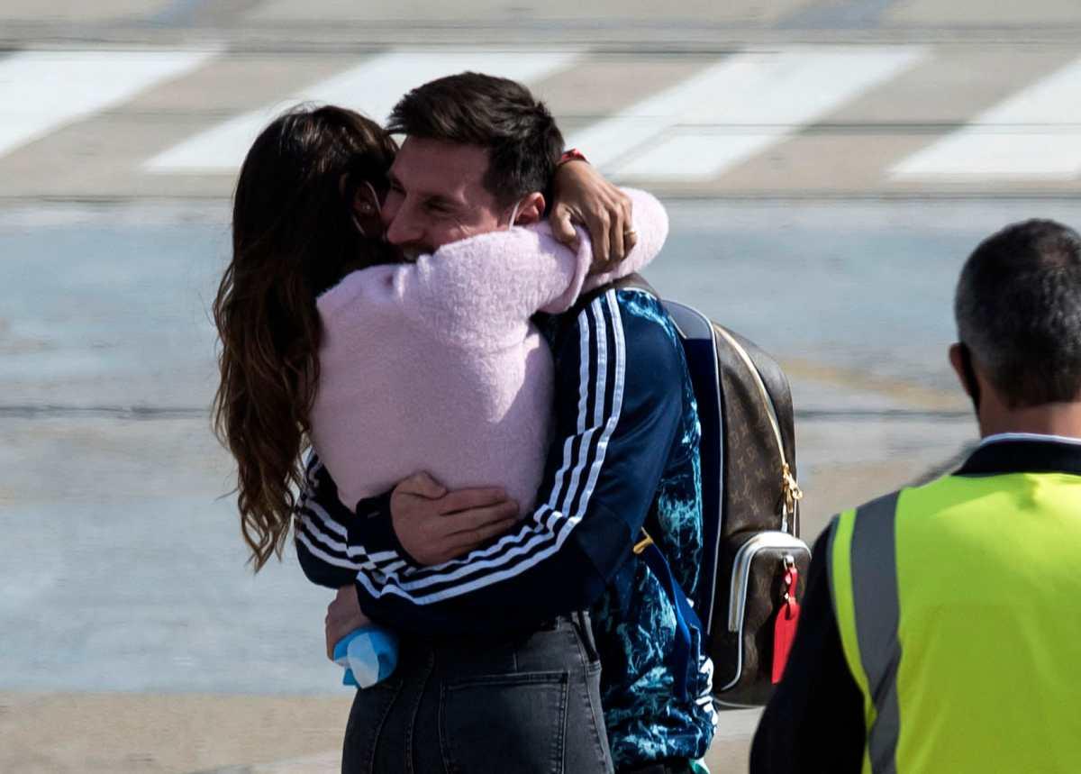 El abrazo de película de Messi y Antonella para celebrar el título de Argentina en la Copa América
