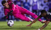 Nicholas Hagen fue distinguido por CONCACAF con la atajada del partido ante México. (Foto Prensa Libre: AFP)