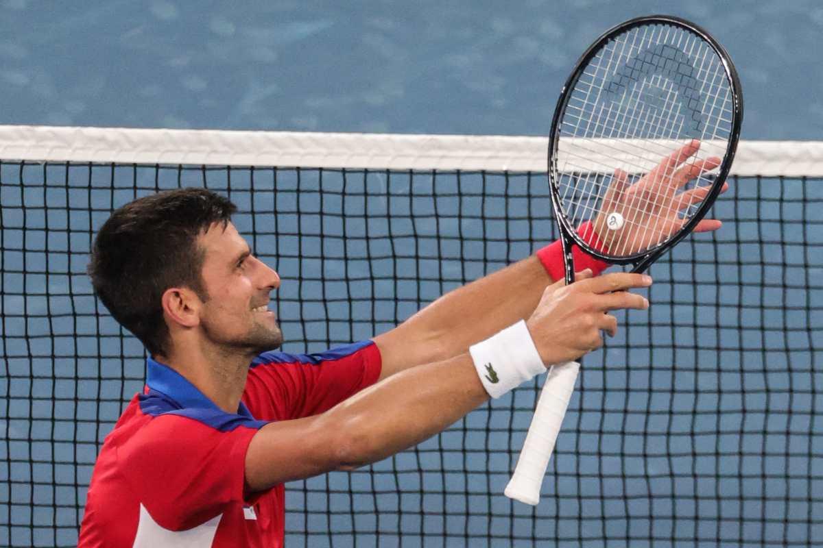 Novak Djokovic sigue adelante por su Golden Slam: ganó y jugará contra español Davidovich en octavos de Tokio 2020