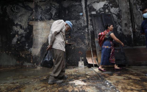 Agusto Aldana, de 93 años, perdió sus pertenencias por un incendio. (Foto Prensa Libre: Esbin García)