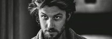 Adam Demos de albañil a sex symbol y actor