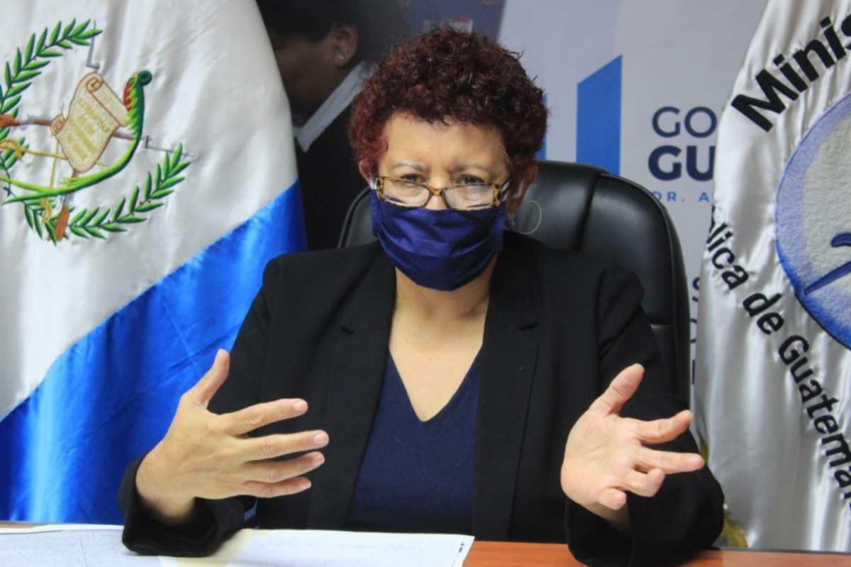 """""""Para mí ya es el tiempo"""": Ministra de Salud confirma su salida, dice que Coma será el sustituto y habla de Sputnik V"""