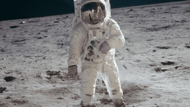 Foto en 360 grados de la NASA revela lo que vio Buzz Aldrin al pisar la luna. (Foto Prensa Libre: NASA)