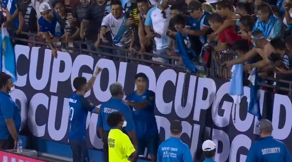Hermoso gesto: Así se despidieron Gordillo y Hernández de los aficionados guatemaltecos en Estados Unidos