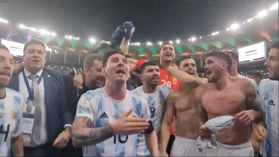 VÍDEO. Rodrigo De Paul quiso burlarse de Brasil en el Maracaná y Leo Messi no se lo permitió