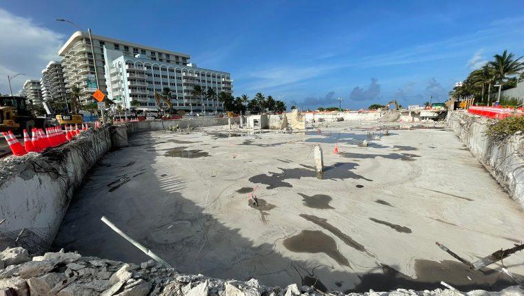 Área donde ocurrió el derrumbe del edificio Champlain Towers. (Foto Prensa Libre: Jason Pizzo)