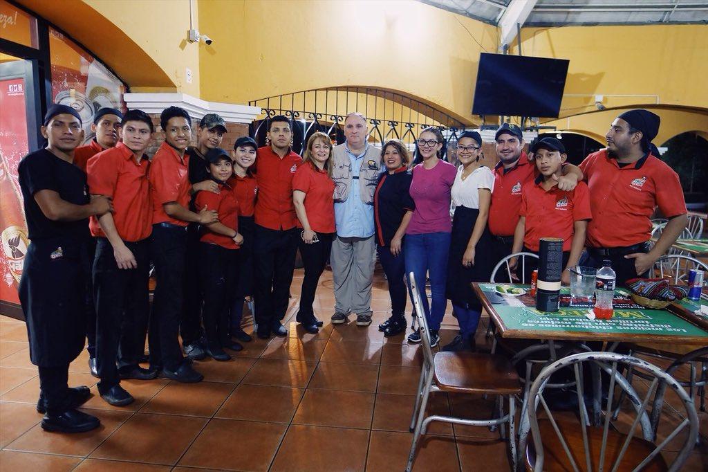 El millonario premio que Jeff Bezos entregó al chef español José Andrés, quien ha estado en Guatemala donando comida durante desastres