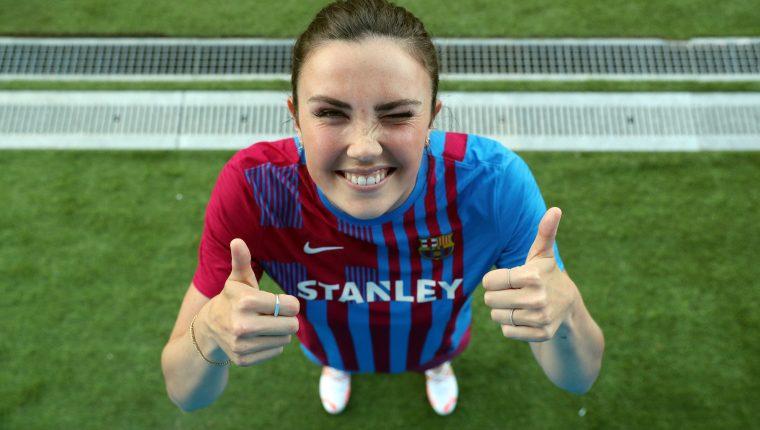 Irene Paredes, capitana de España, durante su presentación en el FC Barcelona. (Foto Prensa Libre: Twitter)