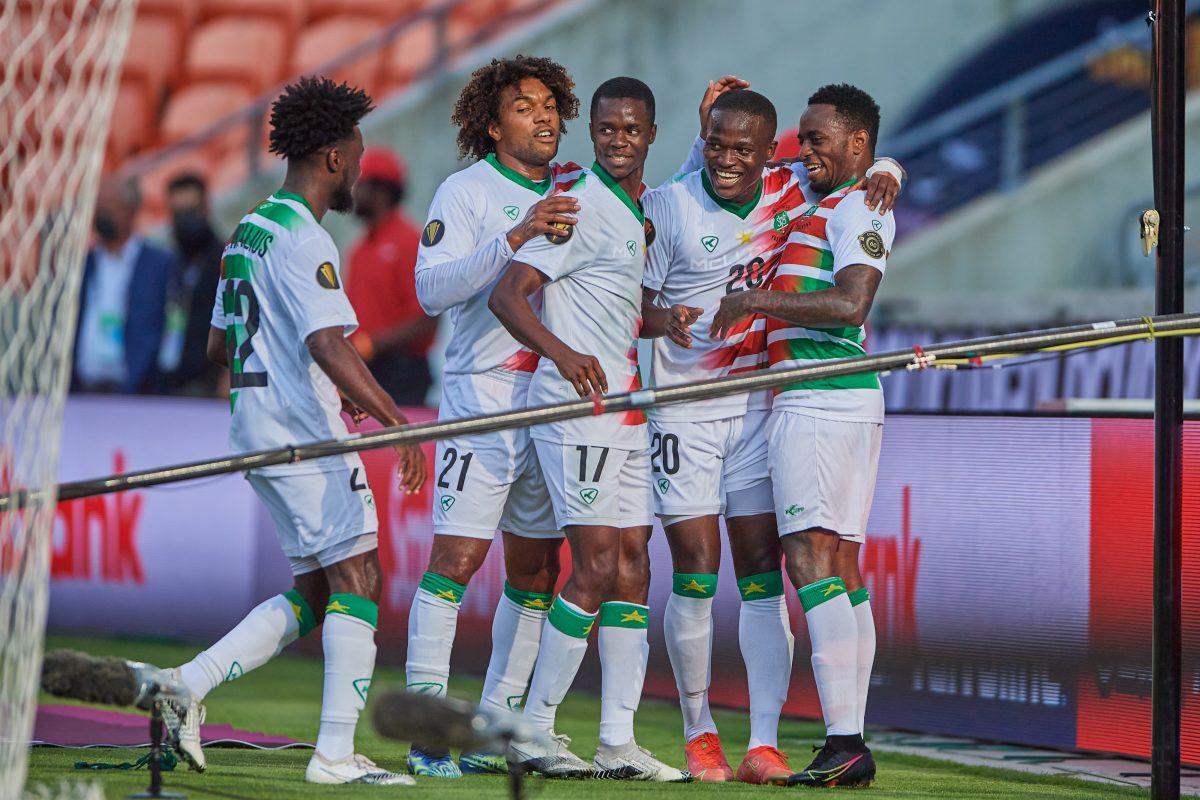Surinam vence a Guadalupe en cierre del Grupo C de Copa Oro de la Concacaf