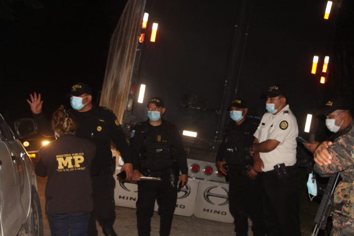 Autoridades confiscan 22 millones de cigarrillos de contrabando en Petén