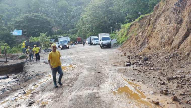 En las últimas horas se registraron fuertes lluvias en varias localidades del país, como en La Unión, Zacapa. (Foto Prensa Libre: Conred)