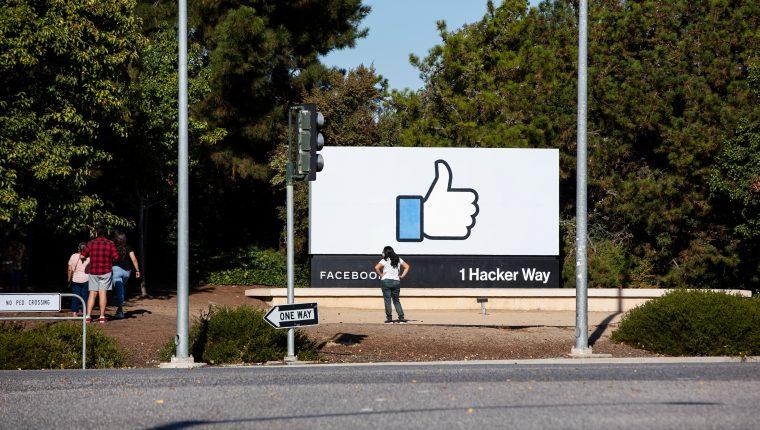 El director ejecutivo de Facebook, Mark Zuckerberg, concibió en 2018 la idea de tener un organismo independiente que actuara como una especie de Corte Suprema para Facebook. (Foto Prensa Libre: Laura Morton para The New York Times)