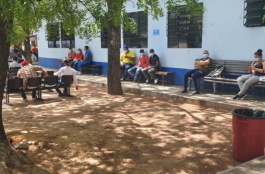 """""""Nos está acabando"""": la angustiante revelación que hace una doctora sobre el covid-19 en el Hospital Regional de Zacapa"""