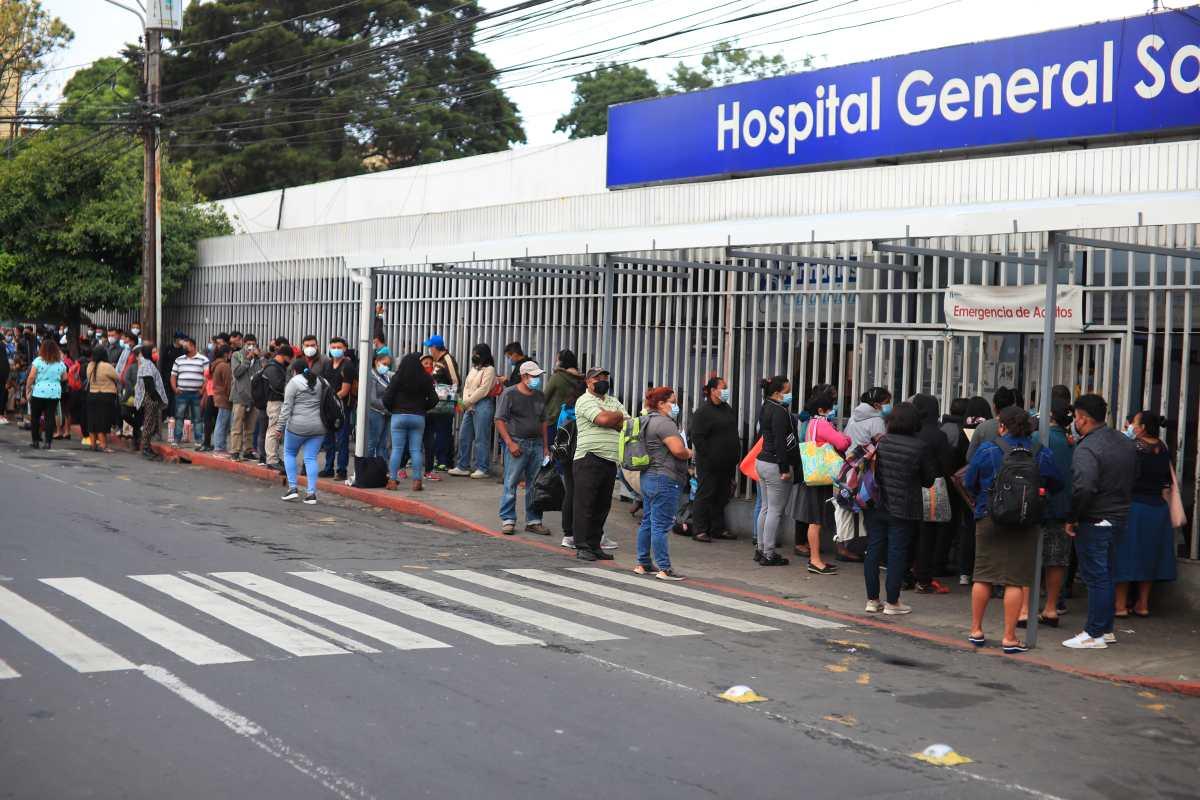 Hospitales relegan cada día unas 15 cirugías electivas por atender pacientes covid