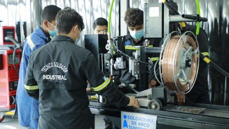 Intecap inaugura centro de capacitación en Villa Nueva. (Foto Prensa Libre: Gobierno de Guatemala)